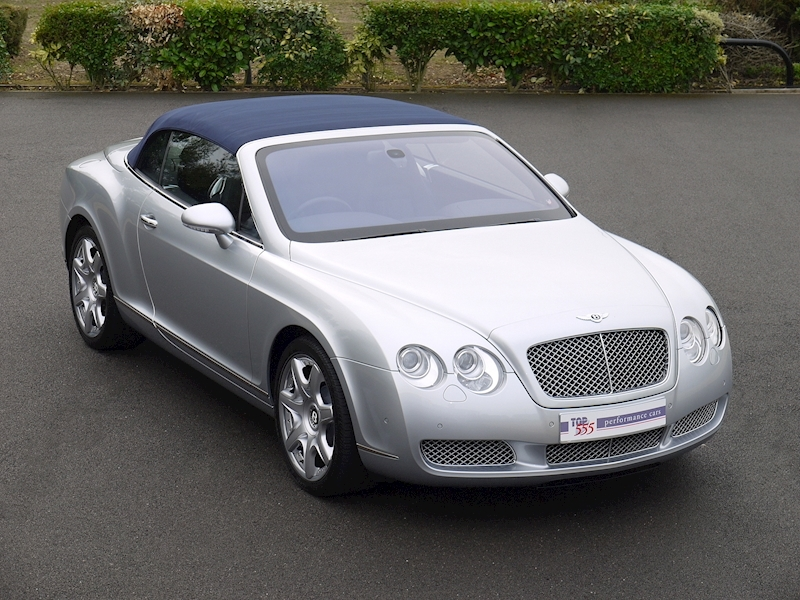 Bentley Continental GTC W12 - Large 37