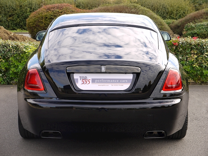 Rolls-Royce Wraith 'Black Badge' - Large 18