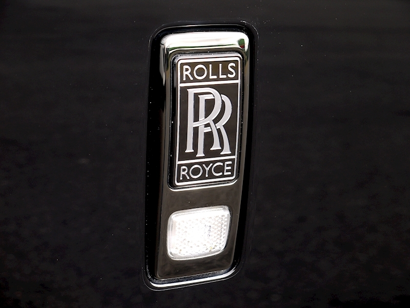 Rolls-Royce Wraith 'Black Badge' - Large 24
