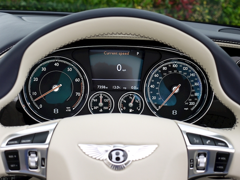 Bentley Continental GT Speed 6.0 Convertible - Large 28