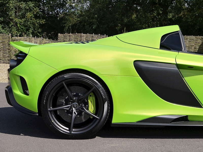 Mclaren 675LT Spider - 1 of 500 - Large 18
