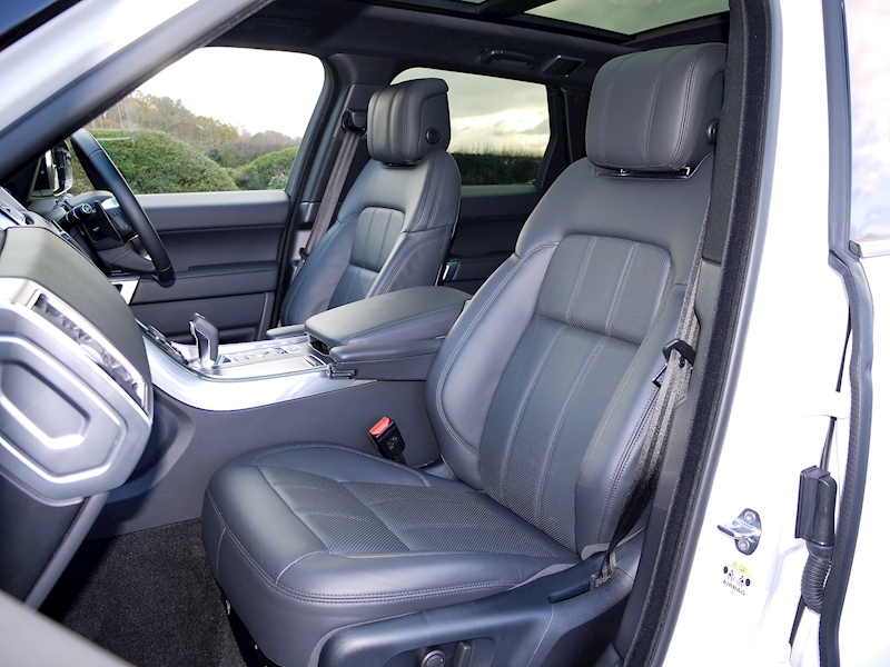 Land Rover Range Rover Sport 3.0 SDV6 HSE - Large 3