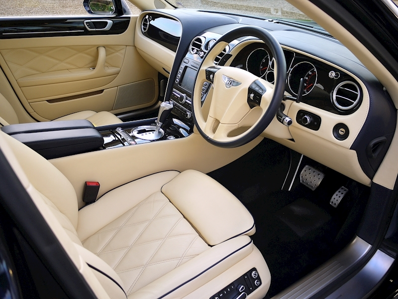 Bentley Flying Spur Mulliner W12 - Large 1