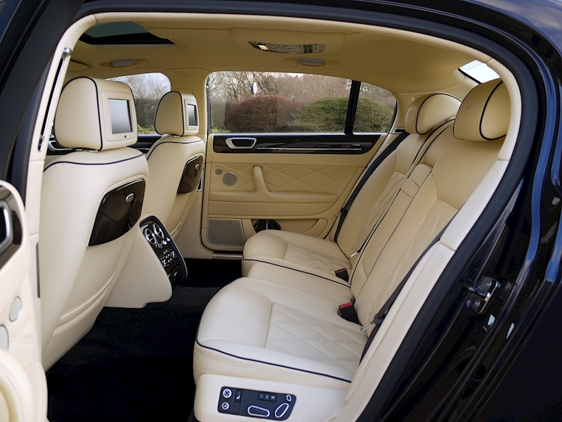 Bentley Flying Spur Mulliner W12 - Large 8