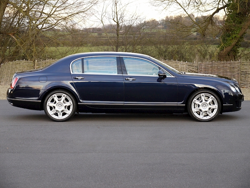 Bentley Flying Spur Mulliner W12 - Large 18