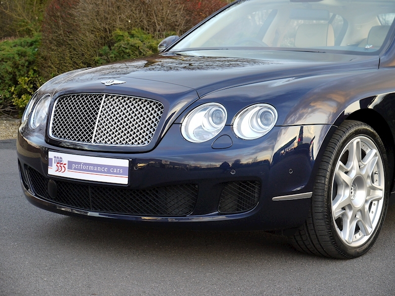 Bentley Flying Spur Mulliner W12 - Large 21