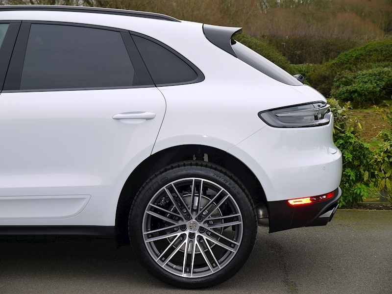 Porsche Macan 2.0 PDK - New Model - Large 3