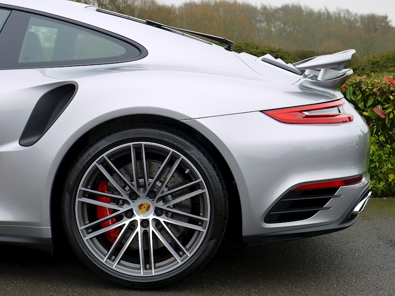 Porsche 911 (991.2) Turbo 3.8 Coupe PDK - Large 3