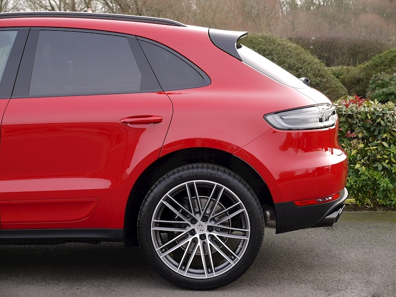 Porsche Macan 2.0 PDK - New Model - Large 2