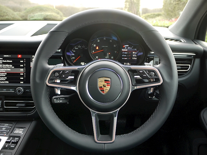 Porsche Macan 2.0 PDK - New Model - Large 28