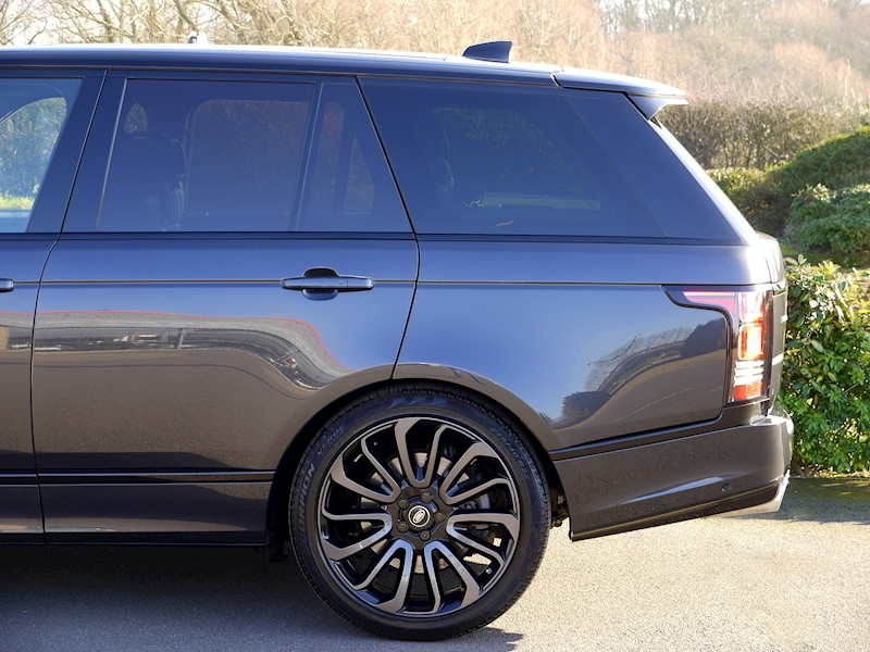 Land Rover RANGE ROVER 4.4 SDV8 AUTOBIOGRAPHY - BLACK SVO DESIGN PACK - Large 2
