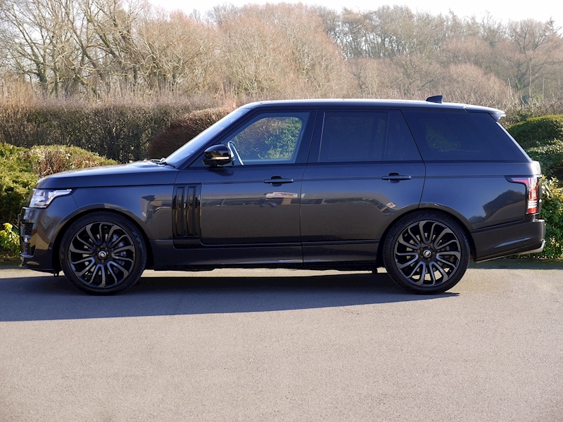 Land Rover RANGE ROVER 4.4 SDV8 AUTOBIOGRAPHY - BLACK SVO DESIGN PACK - Large 4