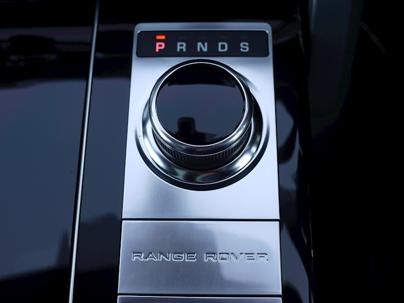 Land Rover RANGE ROVER 4.4 SDV8 AUTOBIOGRAPHY - BLACK SVO DESIGN PACK - Large 34