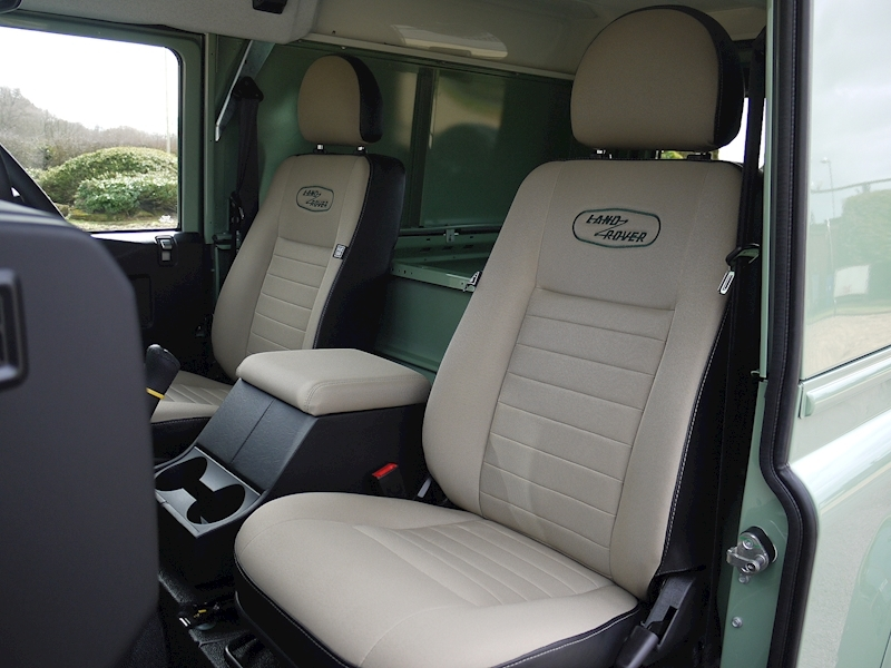Land Rover Defender 90 'Heritage Edition' Hard Top - Large 2