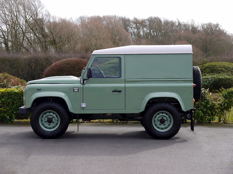 Land Rover Defender 90 'Heritage Edition' Hard Top - Large 4