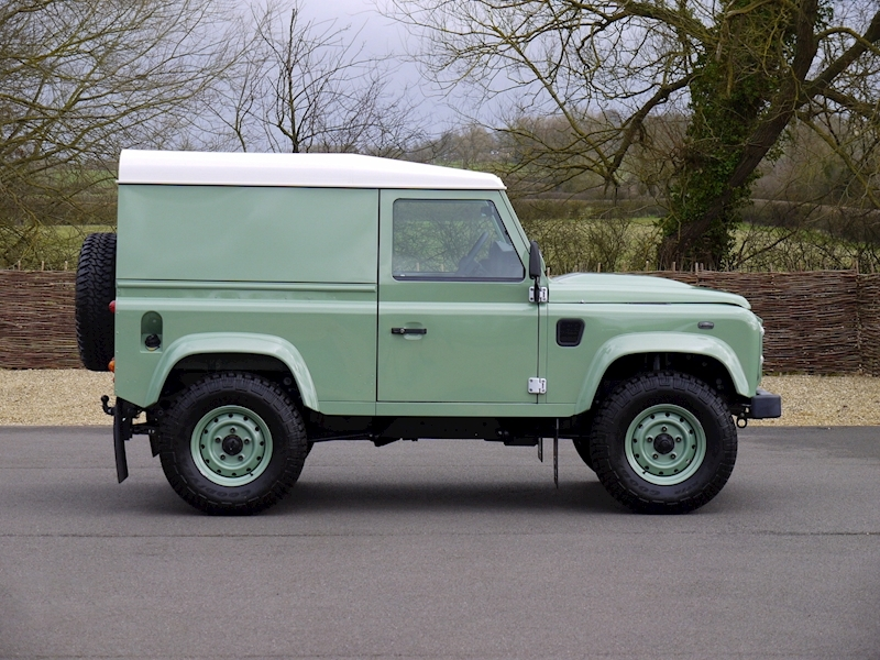Land Rover Defender 90 'Heritage Edition' Hard Top - Large 10