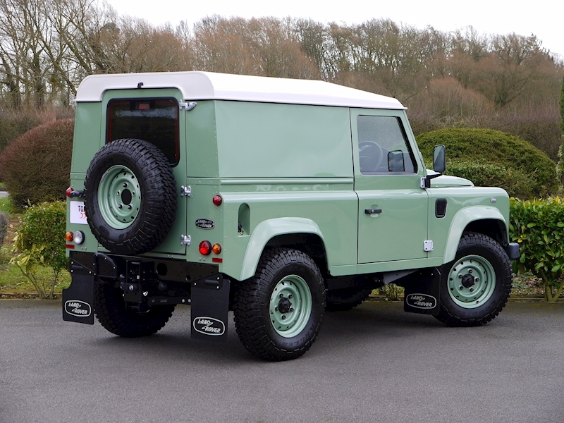 Land Rover Defender 90 'Heritage Edition' Hard Top - Large 17