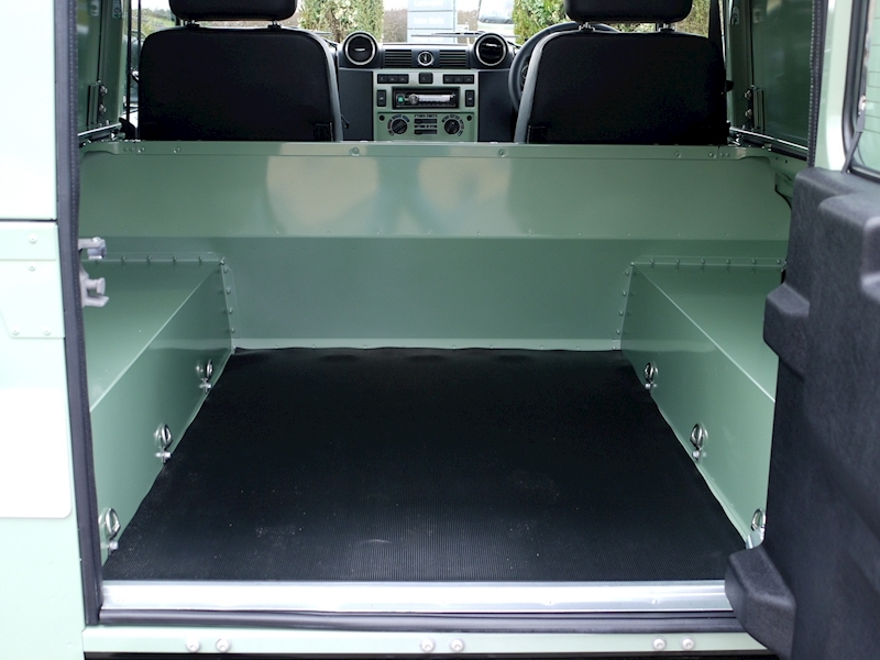 Land Rover Defender 90 'Heritage Edition' Hard Top - Large 18