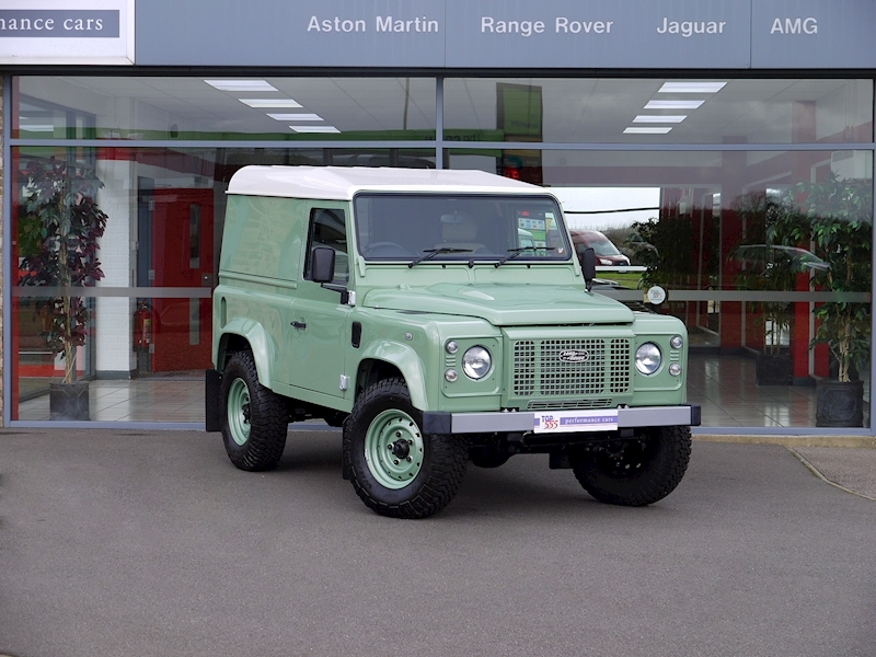 Land Rover Defender 90 'Heritage Edition' Hard Top - Large 26