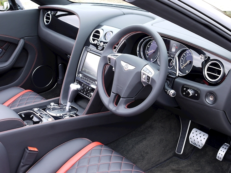 Bentley Continental GTC V8 S - Black Edition - Large 2