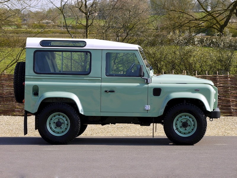 Land Rover Defender 90 'Heritage Edition' Station Wagon - VAT Qualifying - Large 17