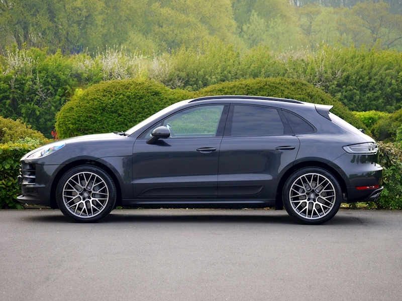 Porsche Macan S 3.0 PDK - NEW MODEL - Large 2