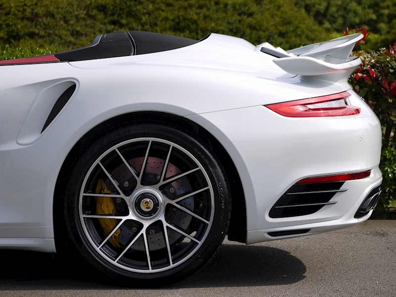Porsche 911 (991.2) Turbo S 3.8 Convertible PDK - Aerokit - Large 4