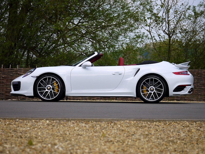 Porsche 911 (991.2) Turbo S 3.8 Convertible PDK - Aerokit - Large 31