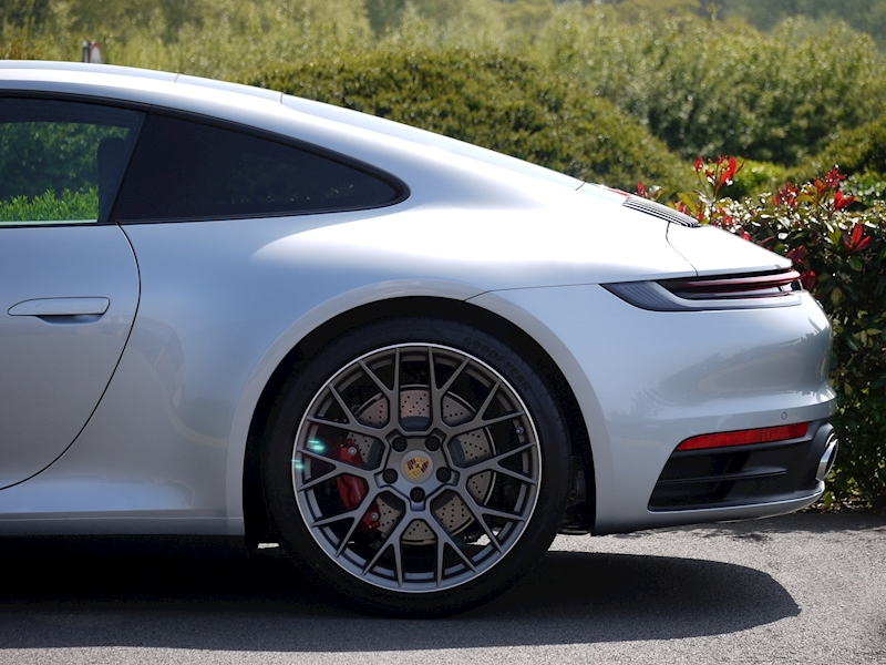 Porsche 911 (992) Carrera 4S Coupe 3.0 PDK - Large 4