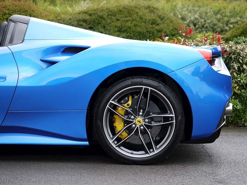 Ferrari 488 Spider - Large 8