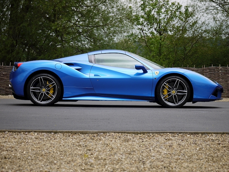 Ferrari 488 Spider - Large 25
