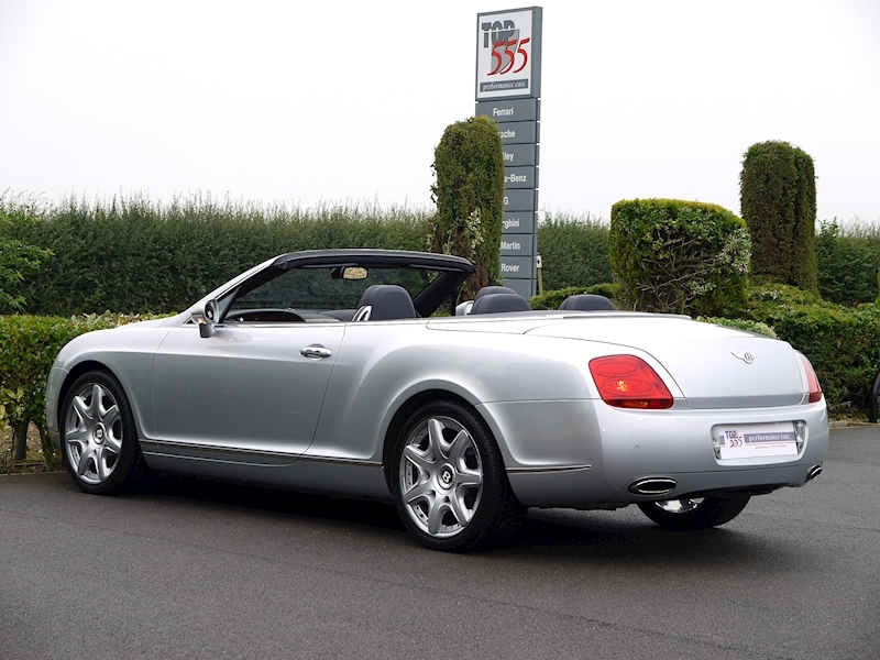 Bentley Continental GTC 6.0 W12 - Large 10