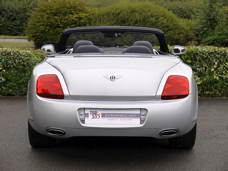 Bentley Continental GTC 6.0 W12 - Large 11