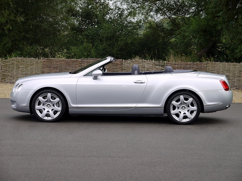 Bentley Continental GTC 6.0 W12 - Large 21