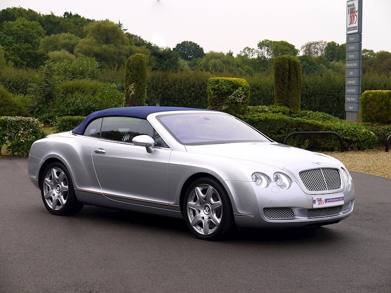 Bentley Continental GTC 6.0 W12 - Large 35