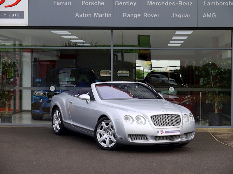 Bentley Continental GTC 6.0 W12 - Large 39
