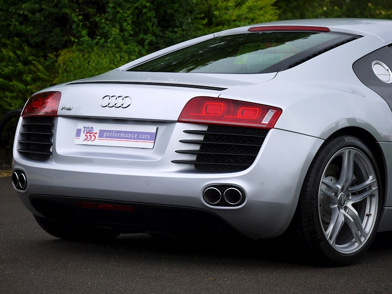 Audi R8 Coupe 4.2 Quattro - Manual - Large 14