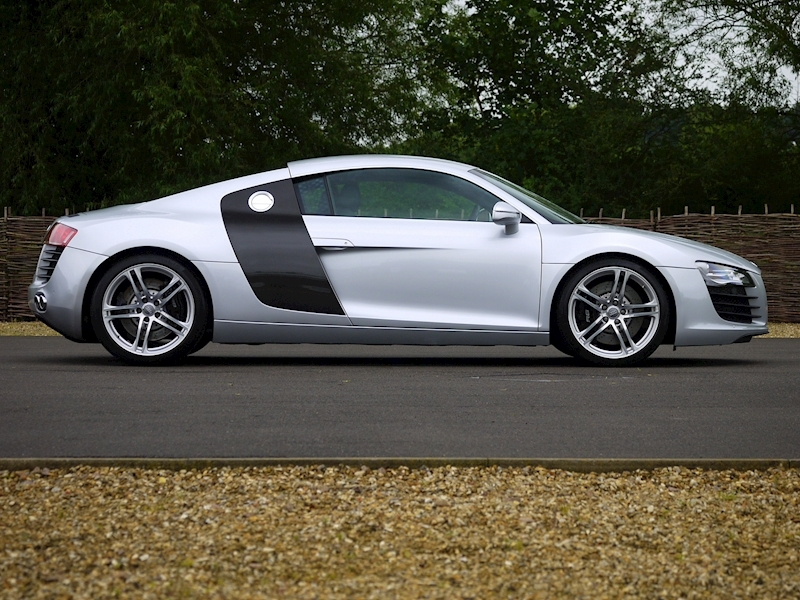 Audi R8 Coupe 4.2 Quattro - Manual - Large 16