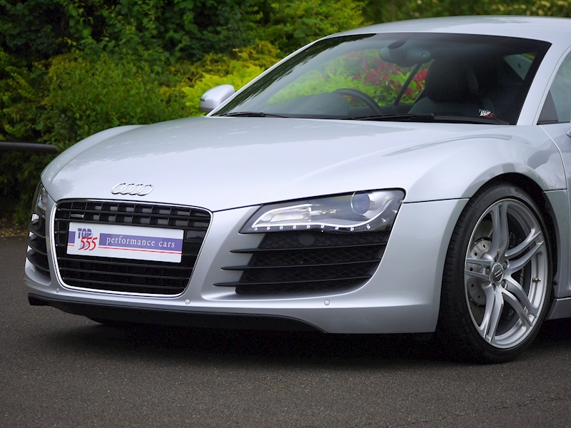 Audi R8 Coupe 4.2 Quattro - Manual - Large 22