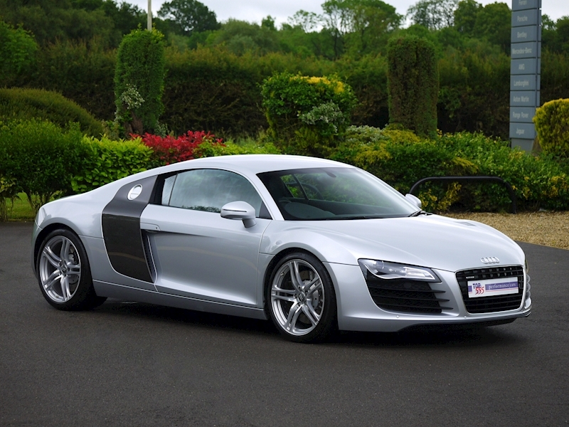 Audi R8 Coupe 4.2 Quattro - Manual - Large 33