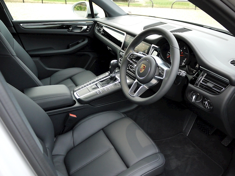 Porsche MACAN 2.0 PDK - New Model - Large 1