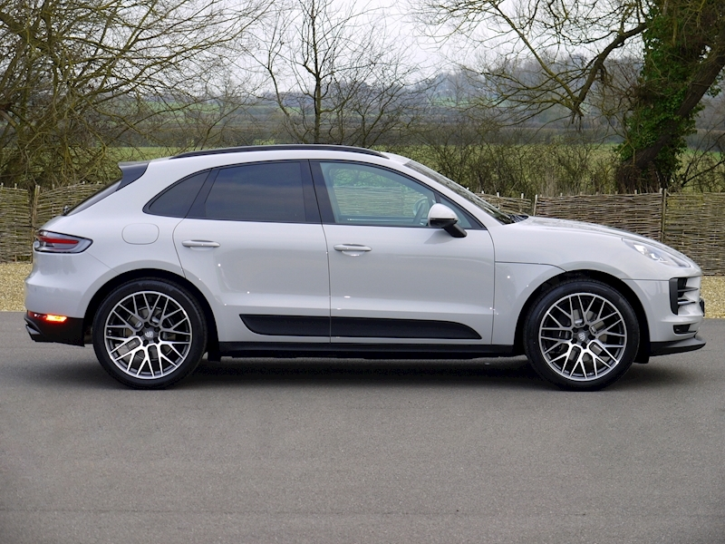 Porsche MACAN 2.0 PDK - New Model - Large 12