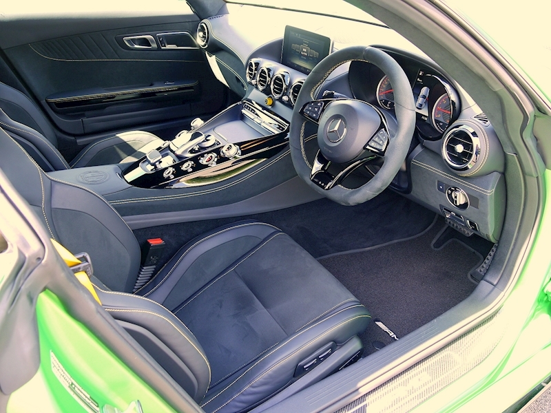 Mercedes-Benz AMG GT R (Premium) 4.0 Coupe - Large 1