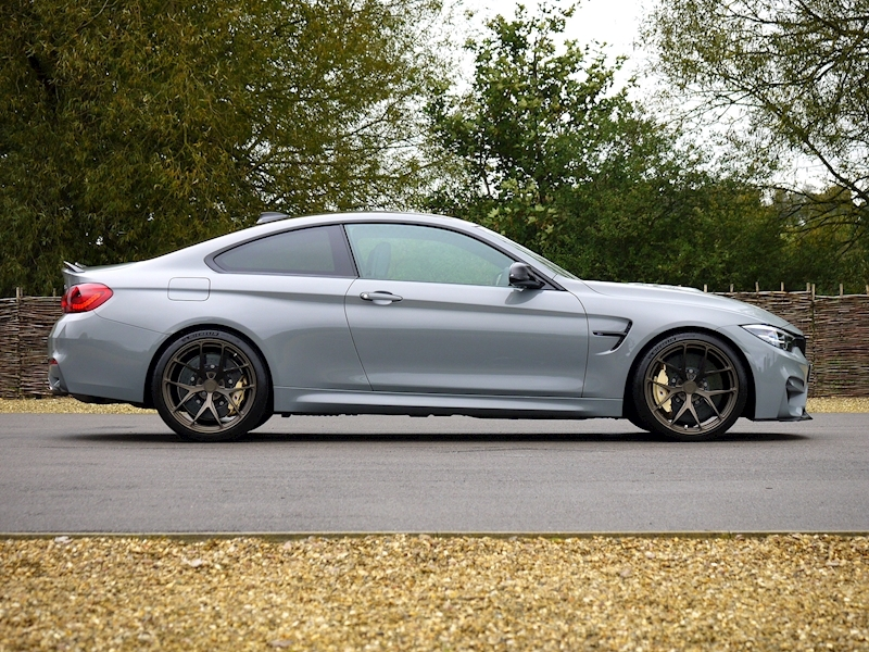 BMW M4 CS Coupe - Large 15
