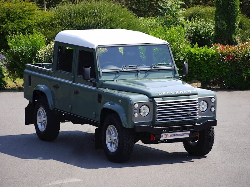Land Rover Defender 110 XS 2.2D Crew-Cab Pickup - Large 0