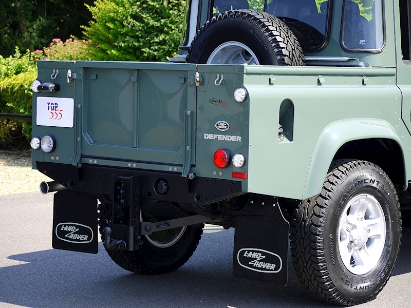 Land Rover Defender 110 XS 2.2D Crew-Cab Pickup - Large 7