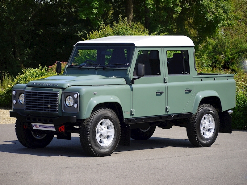 Land Rover Defender 110 XS 2.2D Crew-Cab Pickup - Large 10