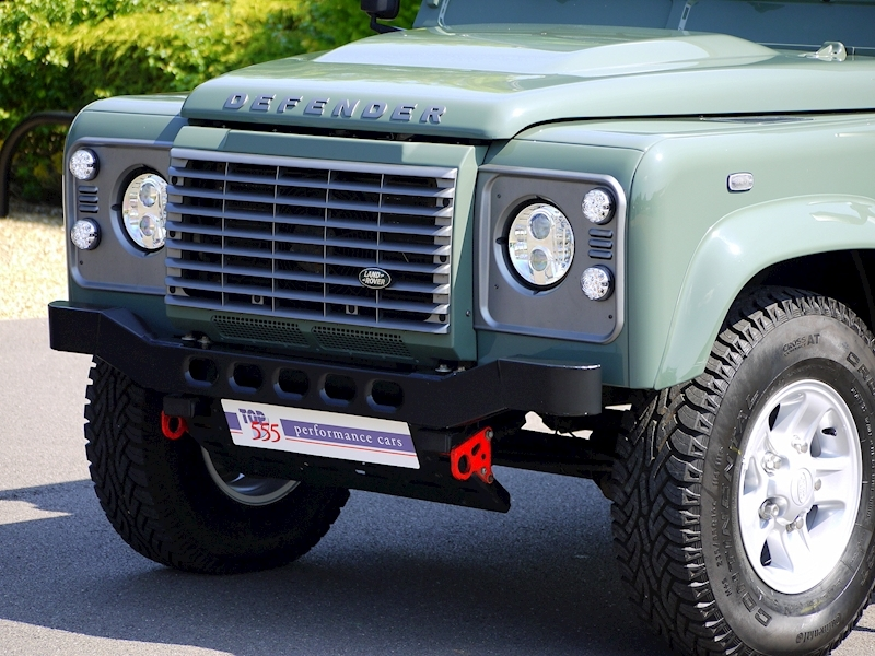 Land Rover Defender 110 XS 2.2D Crew-Cab Pickup - Large 11