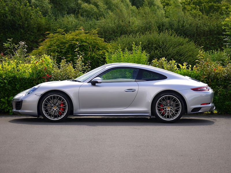 Porsche 911 (991.2) Carrera 4S Coupe 3.0 PDK - Large 4