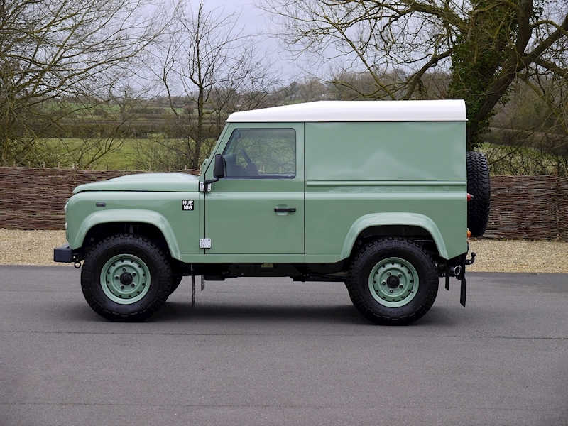 Land Rover Defender 90 'Heritage Edition' Hard Top - Large 14